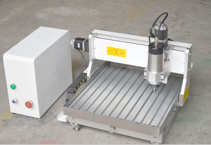 本机配件:雕刻刀若干,压板8只,水泵1套,维宏卡1张,数据线一根