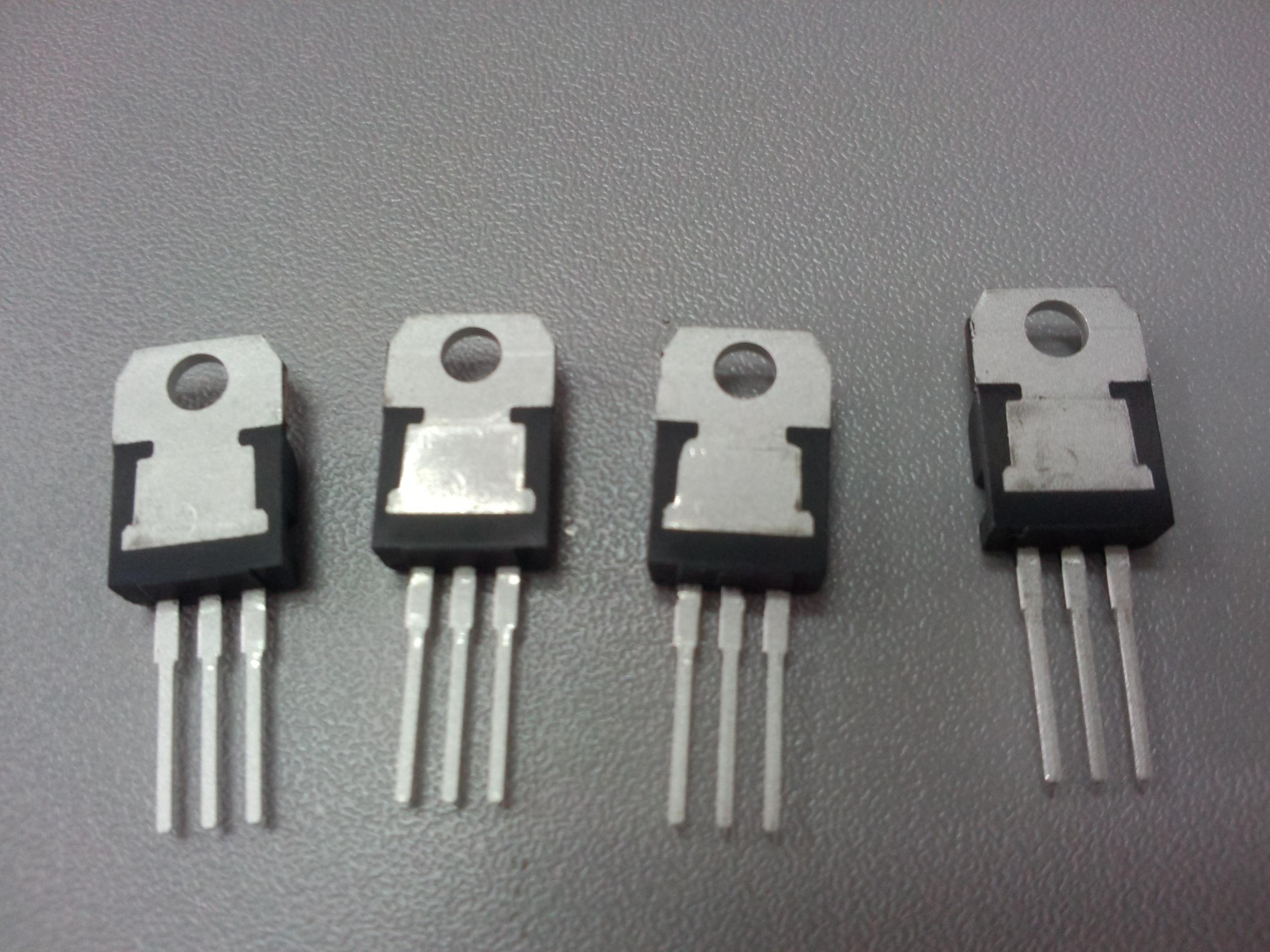 稳压芯片0202l7815cv_工厂店价:2.70元