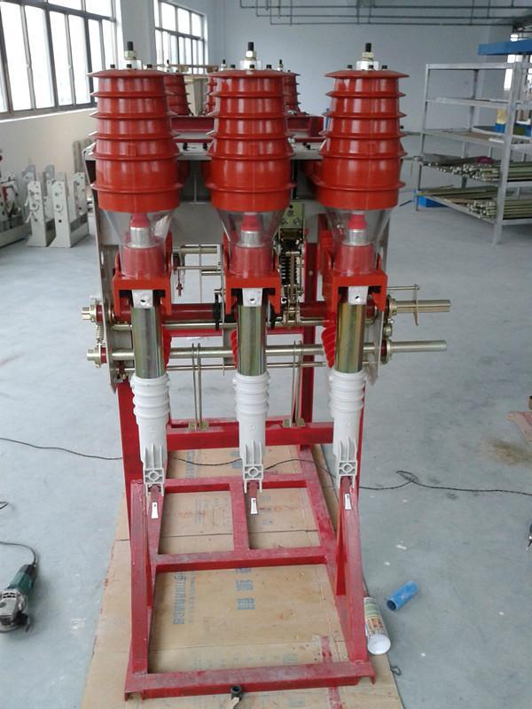 这是熔断器熄灭大于转移电流itc的电流,负荷开关在撞击器作用下虽动作