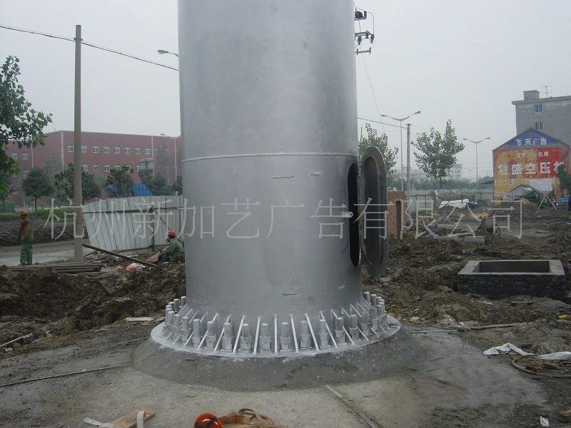 钢结构构件在工厂加工制作,机械化生产,防腐经过专业机械除锈打磨