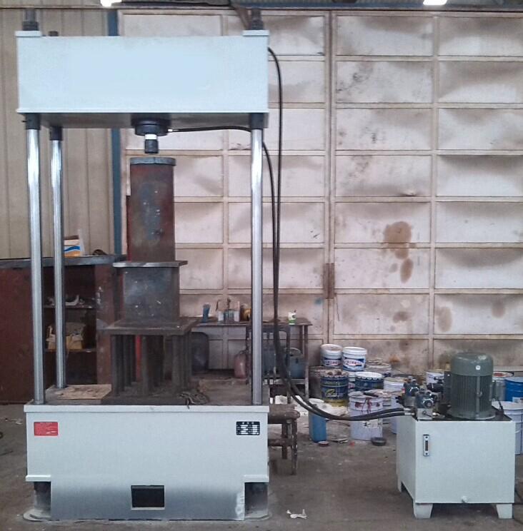 125t两梁四柱液压机规格参数图片