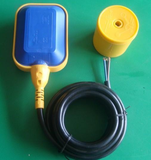 接线方法: 使用棕色和黑色的电线